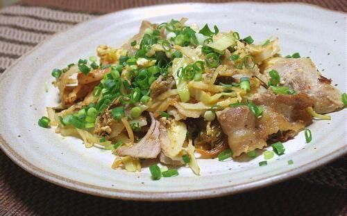 今日のキムチ料理レシピ:豚肉とキムチの卵とじ