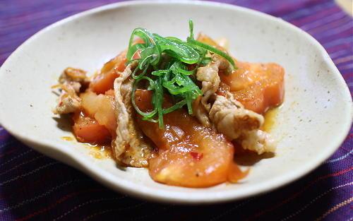 今日のキムチ料理レシピ:豚肉とトマトのキムチ炒め