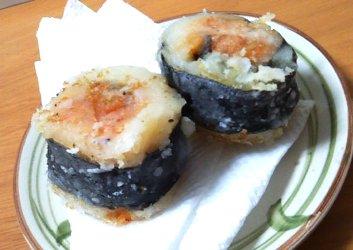 今日のキムチ料理レシピ:キムチとじゃがいもの海苔巻きフライ