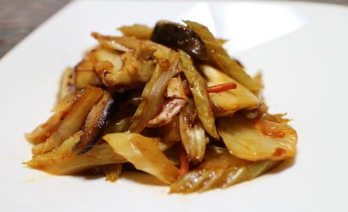 今日のキムチレシピ:セロリとエリンギのキムチ炒め