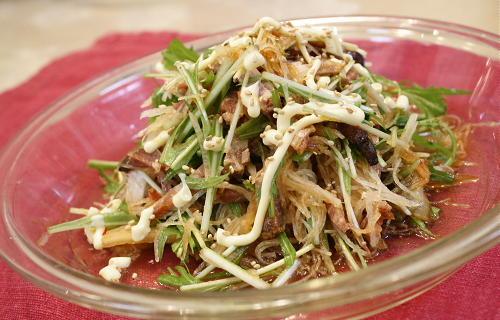 今日のキムチ料理レシピ:水菜と焼豚のキムチサラダ