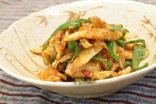 今日のキムチ料理レシピ:ちくわとキムチのごま炒め