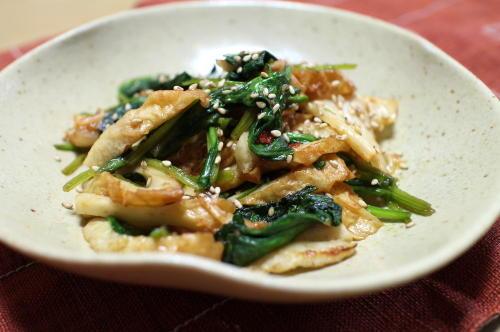 今日のキムチ料理レシピ:ちくわとほうれん草のキムチ炒め