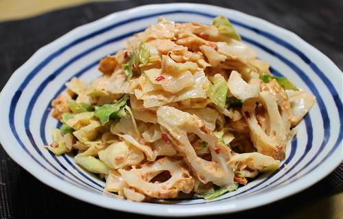 今日のキムチ料理レシピ:ちくわとキャベツのピリ辛サラダ