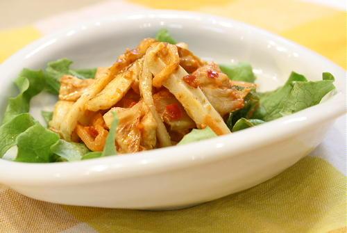 今日のキムチ料理レシピ:ちくわとキムチのマヨネーズ炒め