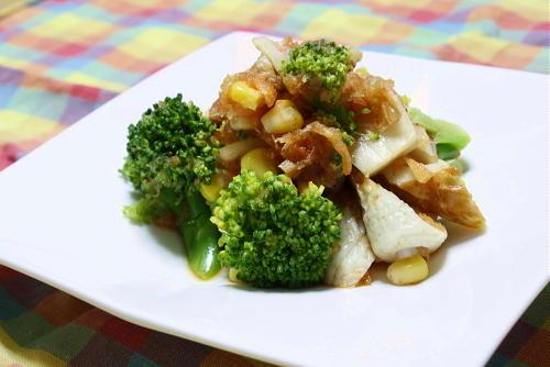 今日のキムチ料理レシピ:ブロッコリーとちくわのキムチおろし和え