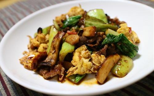 今日のキムチ料理レシピ:チンゲン菜とキムチの卵炒め
