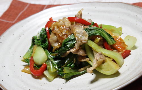 今日のキムチ料理レシピ:青梗菜と豚肉のキムチ炒め