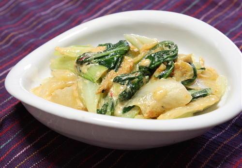 今日のキムチ料理レシピ:チンゲンサイとキムチのクリーム煮