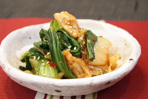 今日のキムチ料理レシピ:チンゲンサイとキムチの酢醤油和え