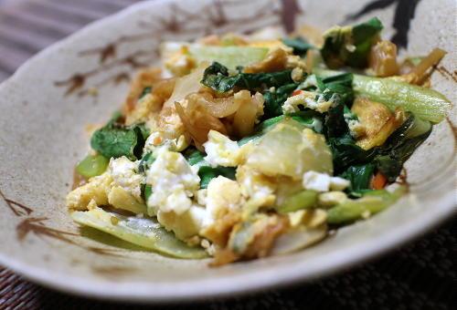 今日のキムチ料理レシピ:青梗菜とキムチの卵とじ