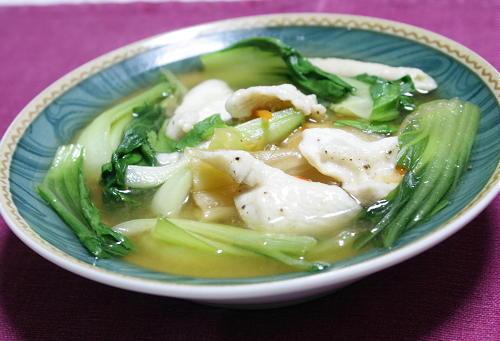 今日のキムチ料理レシピ:青梗菜と鶏肉のキムチスープ