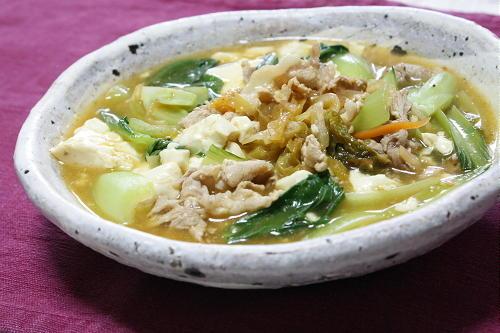 今日のキムチ料理レシピ:青梗菜と豆腐のキムチスープ