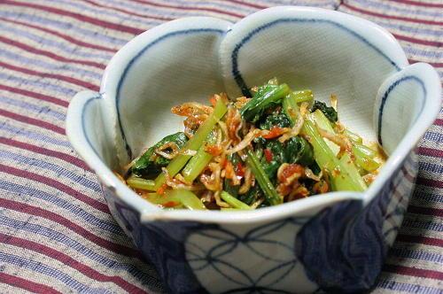 今日のキムチ料理レシピ:小松菜のピリ辛じゃこ和え