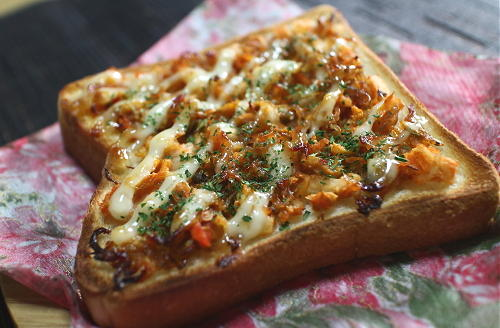 今日のキムチレシピ:ちりめん山椒キムチトースト