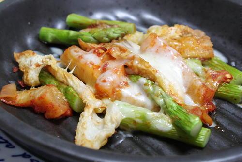 レシピ大根キムチとアスパラのチーズ焼き