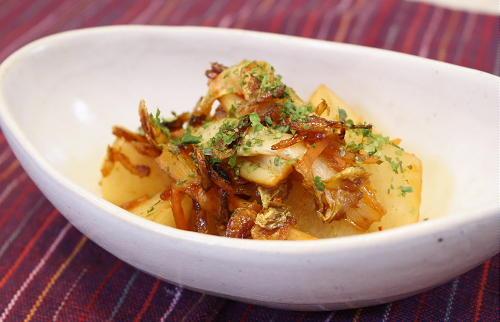 今日のキムチ料理レシピ: 大根とキムチの甘酢炒め