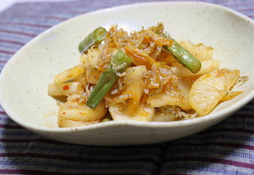 今日のキムチ料理レシピ:大根とじゃこのキムチ炒め