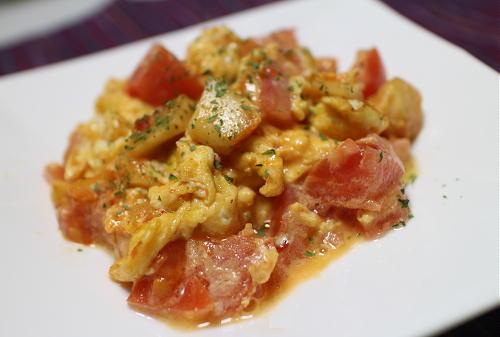 大根キムチとトマトのふんわり卵レシピ
