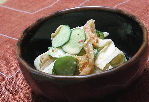 今日のキムチ料理レシピ:胡瓜と大根とキムチのごまマヨサラダ