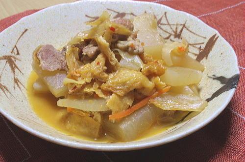今日のキムチ料理レシピ:大根とキムチの煮物