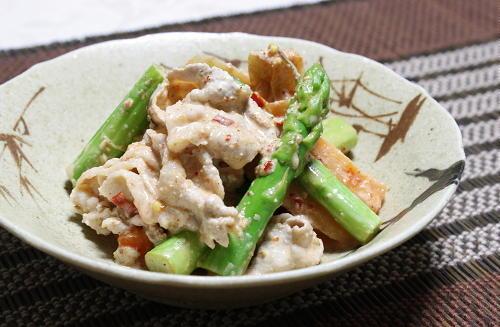 今日のキムチ料理レシピ:大根キムチとアスパラの冷しゃぶサラダ