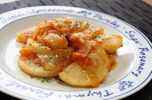 今日のキムチ料理レシピ:大根のトマトキムチ煮込み