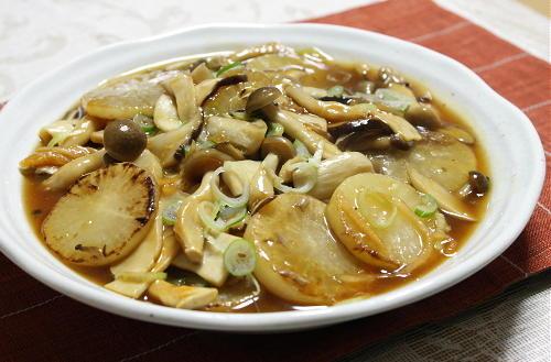 今日のキムチ料理レシピ:大根ときのこのピリ辛うま煮