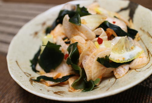 今日のキムチレシピ:大根とわかめのキムチ和え