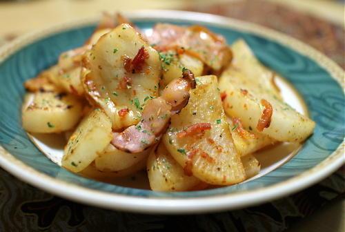今日のキムチ料理レシピ:大根とキムチの洋風炒め
