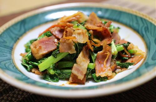 今日のキムチ料理レシピ:大根の葉とベーコンのキムチ炒め