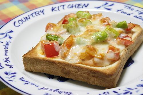 大根キムチとトマトのチーズトーストレシピ