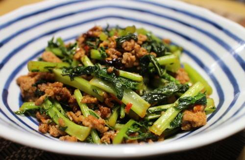 今日のキムチ料理レシピ:大根の葉のピリ辛ひき肉炒め