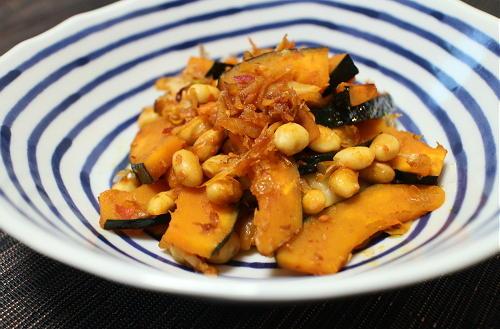 今日のキムチ料理レシピ:かぼちゃと大豆のキムチきんぴら