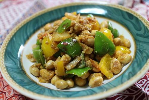 今日のキムチ料理レシピ:大豆とピーマンのキムチ胡麻和え