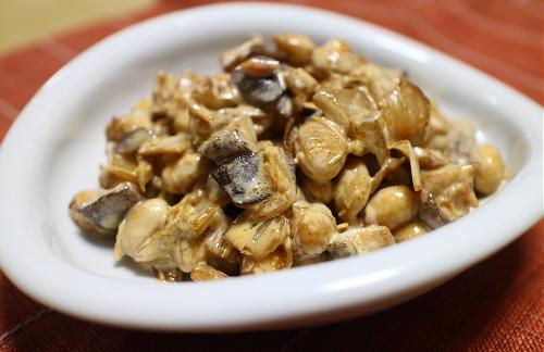 今日のキムチ料理レシピ:大豆とシイタケのキムマヨ和え