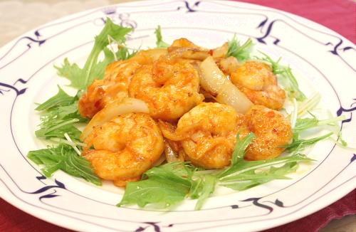 今日のキムチ料理レシピ:エビとキムチのケチャマヨ炒め