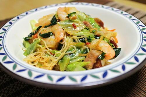 今日のキムチレシピ:海老とキムチの焼きそうめん