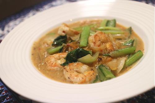 今日のキムチ料理レシピ:エビと小松菜のキムチクリーム煮