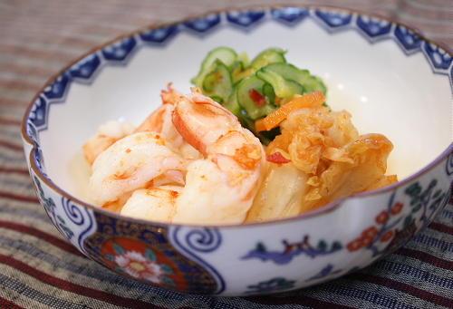 今日のキムチ料理レシピ:海老と胡瓜とキムチの酢の物