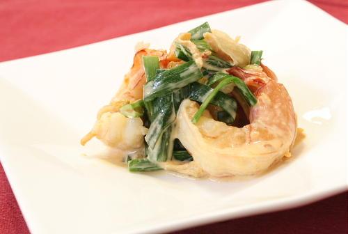 今日のキムチ料理レシピ:えびとキムチの味噌マヨ和え