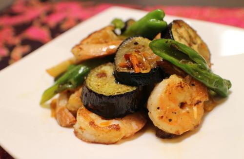 今日のキムチ料理レシピ:エビとなすとキムチの甘酢炒め