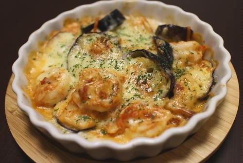 今日のキムチ料理レシピ:エビとなすのキムチグラタン