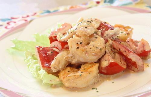 今日のキムチ料理レシピ:エビとパプリカのキムマヨ和え