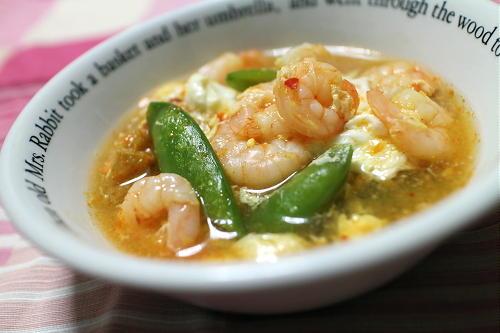 今日のキムチレシピ:エビとスナップエンドウのキムチスープ