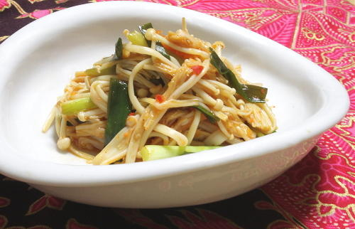 今日のキムチ料理レシピ:えのきのピリ辛甘酢炒め