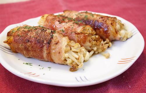 今日のキムチ料理レシピ:えのきと割干しキムチのベーコン巻