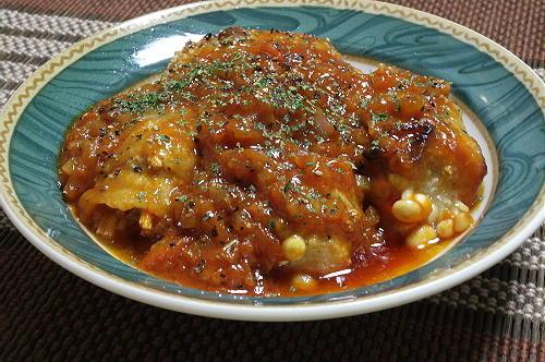 今日のキムチ料理レシピ:えのきの豚肉巻きピリ辛トマト煮