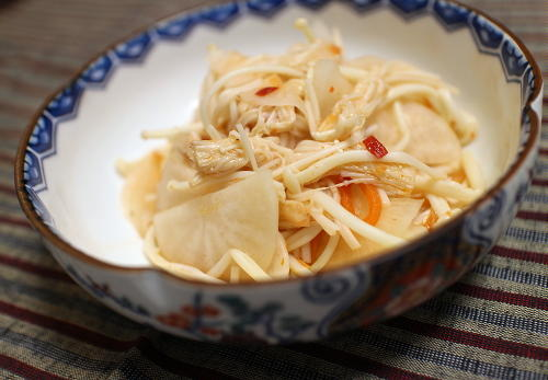 今日のキムチ料理レシピ:大根とえのきのピリ辛甘酢和え