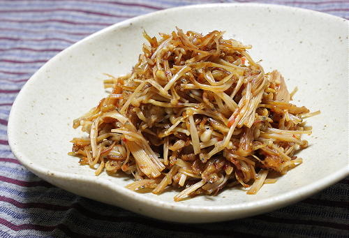 今日のキムチ料理レシピ:えのきとじゃこの甘辛炒め